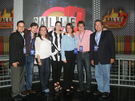 Blanca Ugarte, directora de programación y Producción de TC Mi Canal, y Betty Matta, subgerente de Producción recibe a la delegación de Medcom liderada por Lorena Sánchez, gerente de programación y adquisiciones