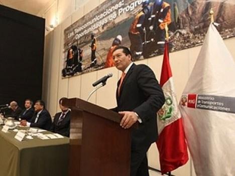 Carlos Paredes Rodríguez, ministro de Transportes y Comunicaciones de Perú