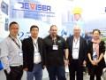 Nan Feng, Yuliang Cao; Juan Andrés Zion, Bob Jackson y Vicky Han
