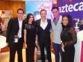 Raúl Mendoza, Marketing; Marcel Vinay, CEO, y Martha Contreras, ventas para Asia, con los protagonistas de A love to remember Nur, Anzalna Bt Md Nasir