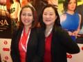 Divina Gracia Cabildo-Yap, VP de Legales y Negocios, y Jocelyn Go, consultora de ventas, en su primer stand en un mercado internacional