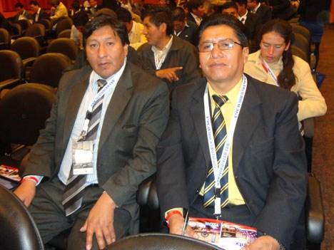 René Chambi y Nelson Uruchi Choque, ingenieros de Cotel, la Cooperativa de Telecomunicaciones de La Paz, Bolivia