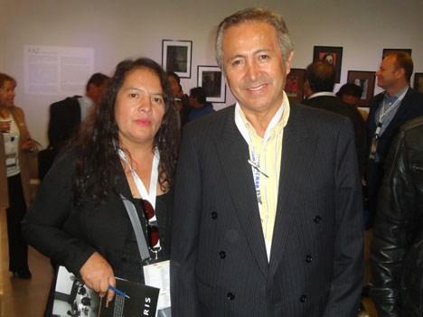 María Rojas y Juan Del Pino Cangalaya, gerente de Cable Latino y Telecable, de Perú