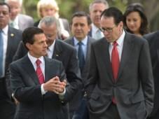 AT&T en México: Enrique Peña Nieto y Randall Stephenson