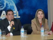 Conatel Eduardo González y Teresita Palacios