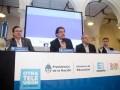 Tristán Bauer, presidente de RTA, Alberto Sileoni y Jaime Perczyk, ministro y viceministro de Educación, respectivamente, y Rubén D'Audia, gerente gen