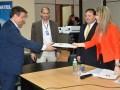 Conatel Palacios entrega certificado lic4G a Claro