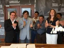 Roy Salazar, presidente de la Asociación, junto a Enrique Lau Chang, de Guatemala y los otros miembros directivos de CATM se reunieron para firmar el