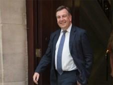 John Whittingdale, secretario de cultura de Reino Unido