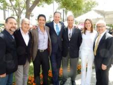 El Screening de CBS: Armando Nuñez, Jr., presidente de distribución global del estudio (centro) junto a Carlos Sánchez, CEO de la casa de doblaje Caal