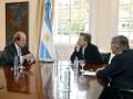 Virgin Mobile con Macri en Argentina
