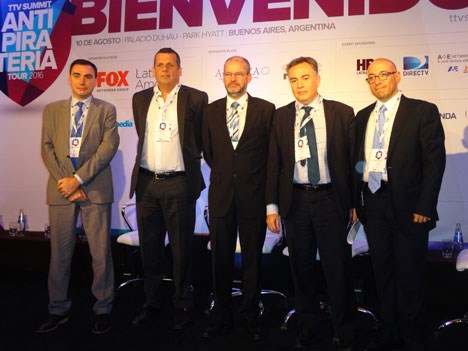 Gustavo Mónaco; Francisco Barreto, de DirecTV; Daniel Steinmetz, de Fox Networks Group; Víctor Roldán, de Turner; y Sergio Piris, de Cablevisión