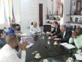 La gerente de Emcali, Cristina Arango, junto al alcalde de Cali, Maurice Armitage, Marcelo Erlich, presidente de ITC Antel, y la Junta de Sintraemcali