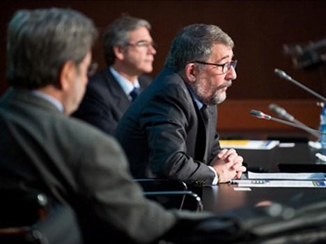 Narcís Serra, Mario Cimoli y Mario Castillo. La reunión fue organizada por CEPAL @LIS2, en conjunto con el CIDOB, y contó con el apoyo de la CMT