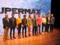 Hernán Lombardi, Daniel Burman y Mario Segade, junto a los talentos de Supermax
