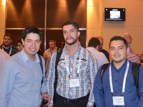 Byron Abril y el equipo de Etapa de Ecuador
