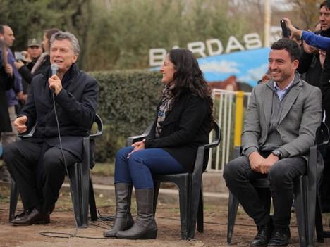 Mauricio Macri, presidente de Argentina, y Rodrigo de Loredo, presidente de Arsat, en la inauguración de las obras del Plan Federal de Internet en la