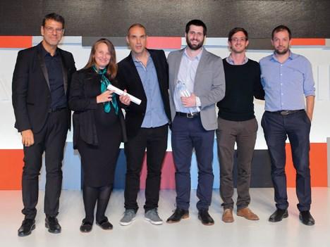 """El equipo de TyC Sports recibe el premio al """"Anunciante del Año"""" en la 34º entrega de los premios Lápiz de Platino"""