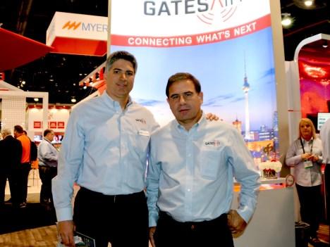 Ernesto Fajardo y Diego Gilles de GatesAir, durante la pasada NAB