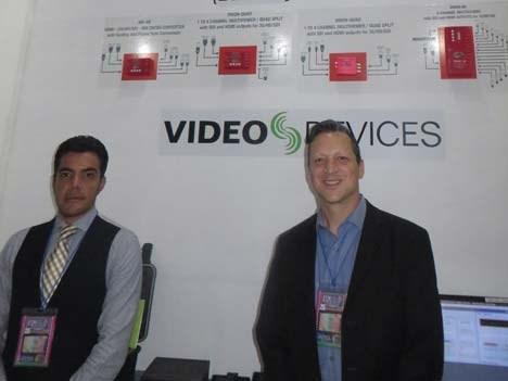 Jorge Camacho de Magnum y Gabriel Benítez de Video & Devices