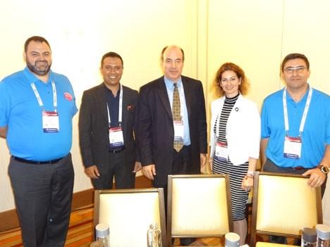 Genband 17 D4 Panel de servicios a consumidores: Carlos Aragon, Ali Ebrahim, Ronald Gruia, Judit Andrási, Gabri Racah