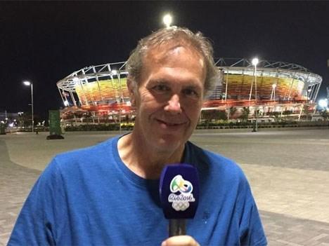 Gonzalo Bonadeo en la conducción del Mundial de Atletismo de Londres, para TyC Sports