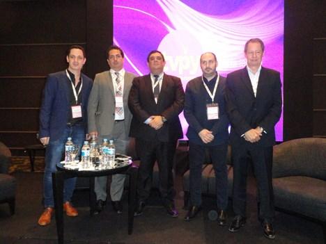 Agustín Genovese (moderador), Cristian Zuleta, Eduardo González, Juan Massuh, y Gabriel Carballo