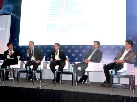 Caio Klein de RBS, Luiz Fausto de Globo, Rafael Barbieri, Leandro Fernández y Marco Padeti de TV Record
