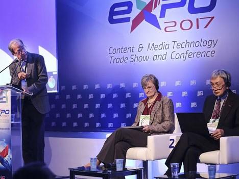 Fernando Bittencourt, Lisa Hobbs y Masayuki Sugawara en el panel sobre la evolución de la TV