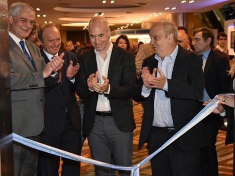 Walter Burzaco, de ATVC, y Sergio Veiga, de Cappsa, junto a Horacio Rodríguez Larreta, jefe de gobierno de la Ciudad de Buenos Aires, y Hernán Lombard