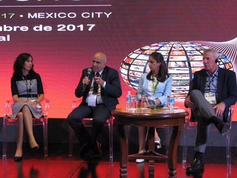 Fidela Navarro (Azteca), David Hanono (BBC), Maya Erkova (RT), y Brad Samuels (Bloomberg TV)