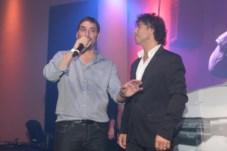 Gonzalo Antelo, director comercial de Infobae América y TKM junto a Gonzalito Rodríguez, conductor del evento