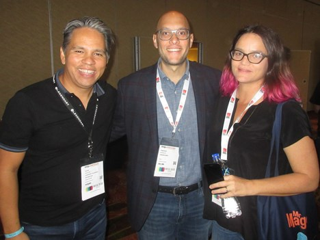 Carlos Sánchez, VP Distribution de Legendary, junto a Francisco Morales, y Javiera Balnaceda, ambos content acquisitions de Amazon Video para América