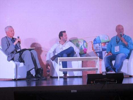 """Panel """"Coproducción: Perspectivas desde #Colombia"""": Alejandro Toro, production business development de Caracol TV, y Fernando Gaitán, productor de RCN y creador de """"Betty la Fea"""", moderado por Miguel Smirnoff, CEO de Prensario"""