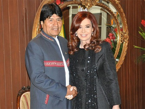 Evo Morales, presidente de Bolivia, junto a Cristina Fernández de Kirchner, presidenta de Argentina