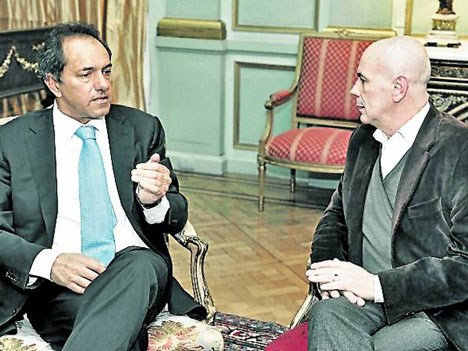 El gobernador Daniel Scioli y el titular del Instituto Cultural de la provincia, Jorge Telerman