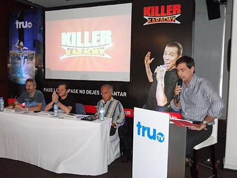 El panel compuesto por Víctor Tevah, Darío Sztajnszrajber y Alejandro Piscitelli, junto a Felipe De Stefani