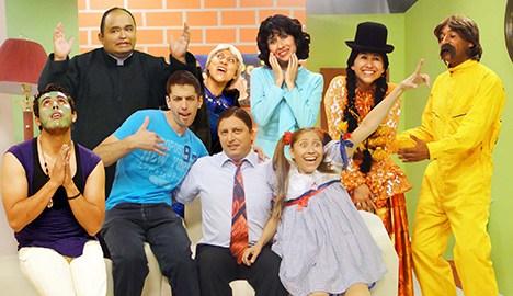 Que Familia, Los Serranos es la primera sitcom producida en Bolivia