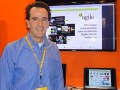 Diego Castrillo, de Agile Contents, en el stand de iPlusB, en Caper