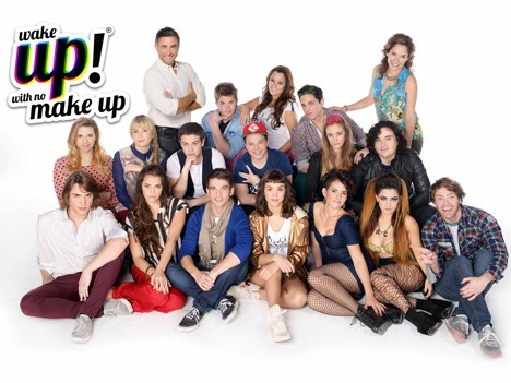 E!, Coca-Cola y Warner Chappell estrenan Wake Up, with no make up!